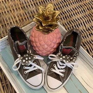EUC Converse All star sneakers size 8
